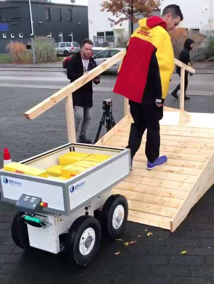 EffiBOT en extérieur pour challenge DHL